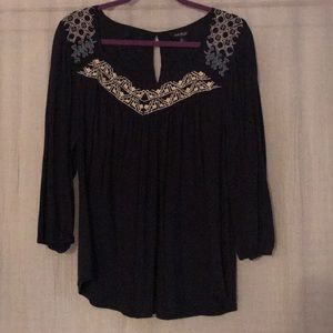 Lucky brand navy 3/4 sleeve top with embroidery